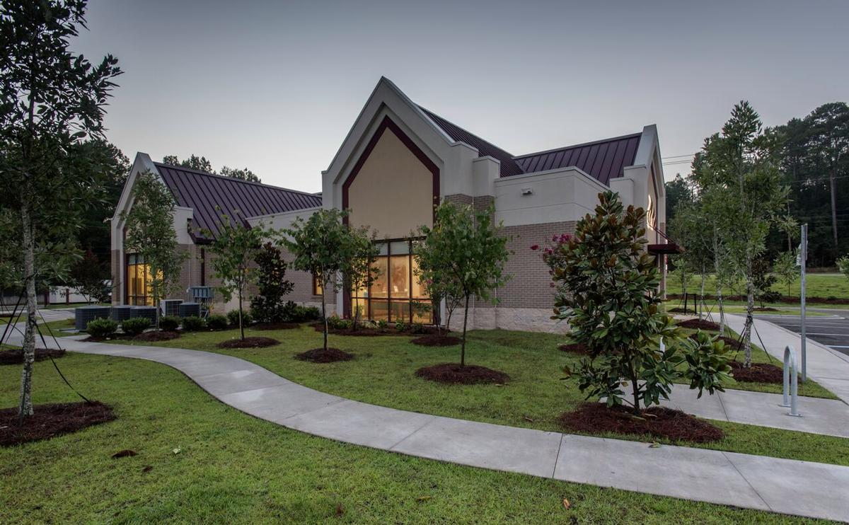 Exterior View/Landscaping